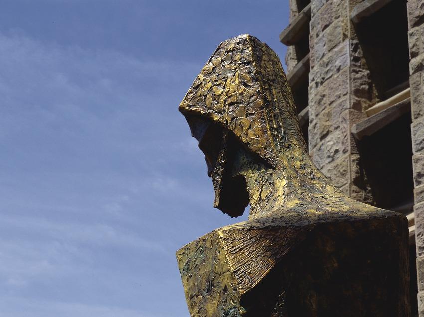 Escultura del pórtico de la fachada de la Pasión del Templo Expiatorio de la Sagrada Familia (Imagen M.A.S.)