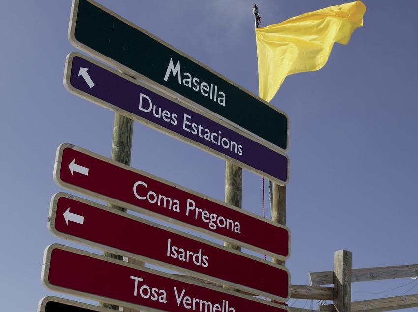 Разметка трасс на горнолыжном курорте Мазелья
