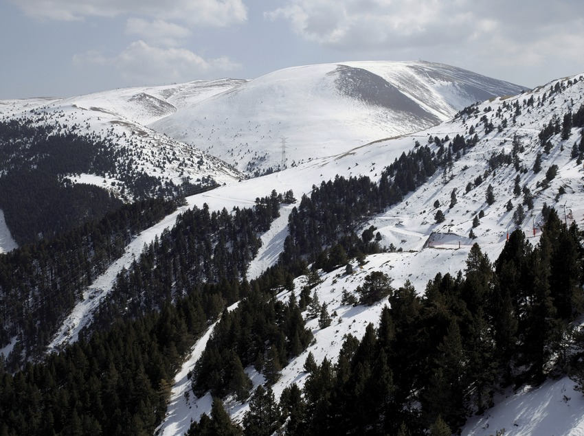 Alpine landscape at the La Molina Ski Resort (Nano Cañas)