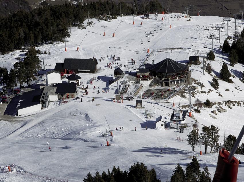 Vista aérea de la estación de Spot Esquí (Nano Canas)