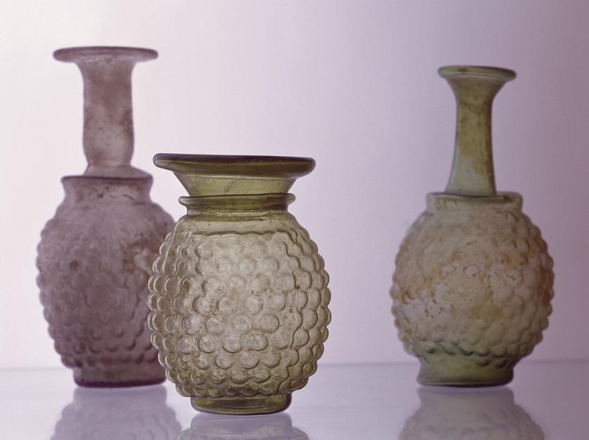 Recipients de vidre al Museu d'Arqueologia de Catalunya (Imagen M.A.S.)