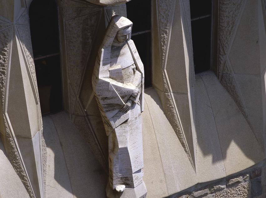 Detall del pòrtic de la façana de la Passió del Temple Expiatori de la Sagrada Família  (Imagen M.A.S.)