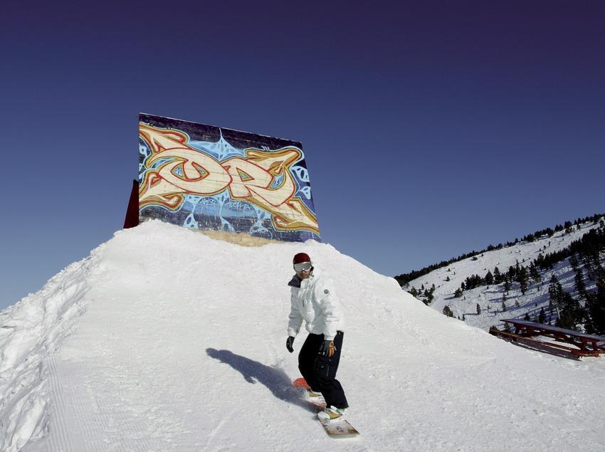 Snowboard en la estación de esquí de Port Ainé (Nano Canas)