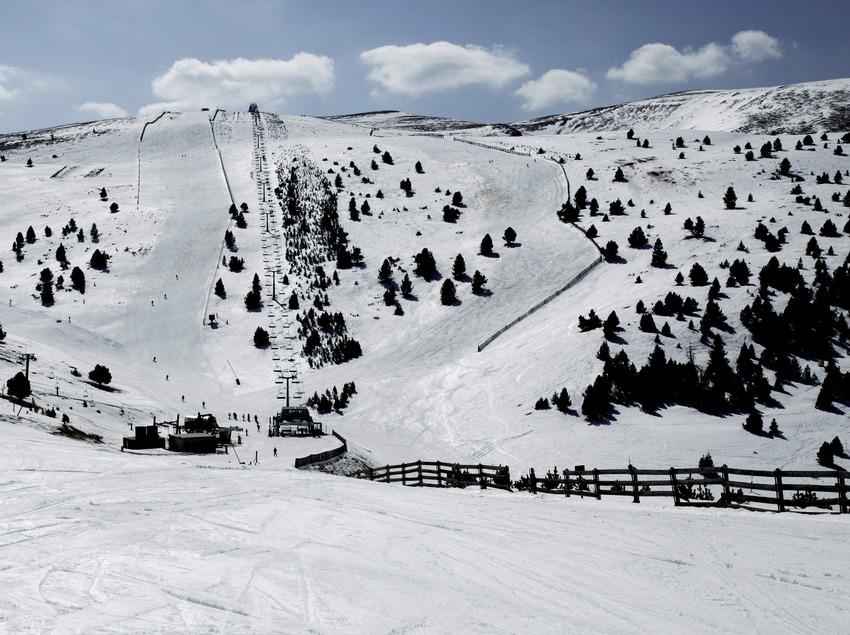 Piste de ski à la station de La Molina (Nano Canas)