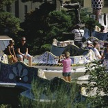"Tourists on the ""banco ondulado"" (wavy bench) in Park Güell"