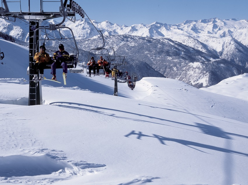 Ski lift at the Baqueira Beret Ski Resort (Nano Canas)