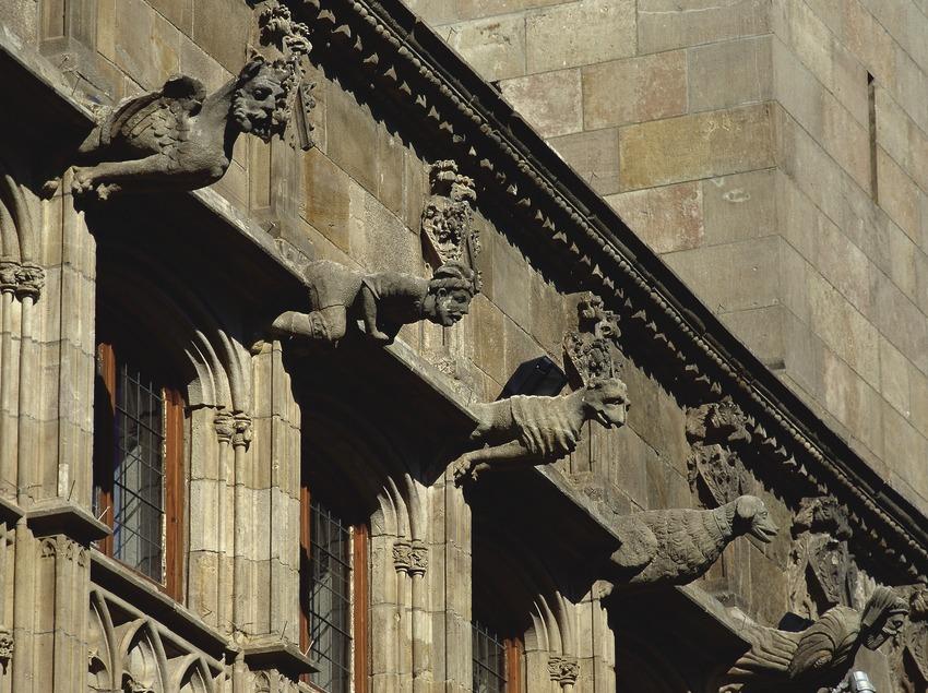Gárgolas del patio de los Naranjos. Palau de la Generalitat (Imagen M.A.S.)