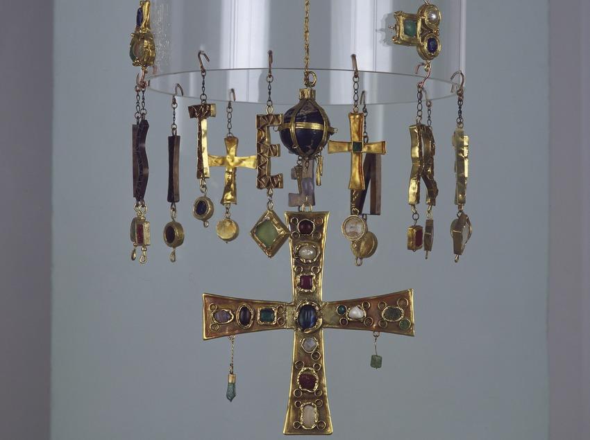 Corona votiva del Tresor de Torredonjimeno, Jaén (segles V-VIII d.C.). Museu d'Arqueologia de Catalunya (Imagen M.A.S.)