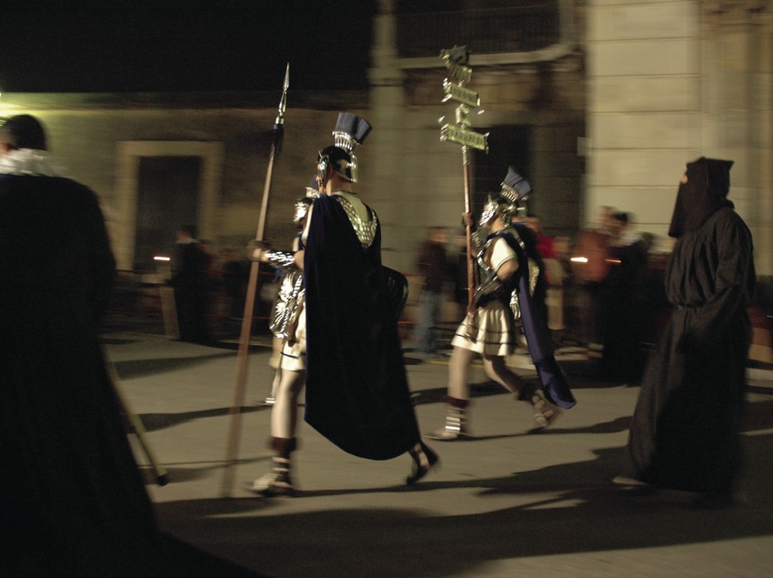 """Armados"" (one of the brotherhoods) in the procession during Easter Week in Tarragona (Oriol Llauradó)"