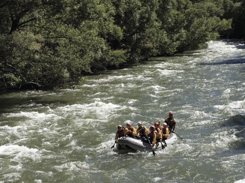 Rafting during the Noguera Pallaresa International Rally (Oriol Llauradó)