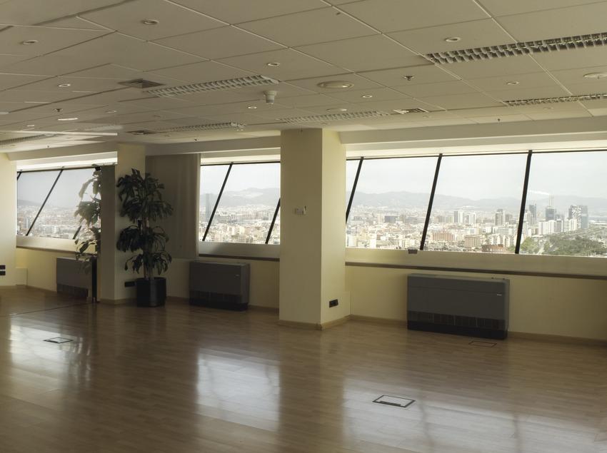 Panorámica interior del Centro de Convenciones de la Torre MAPFRE (Oriol Llauradó)