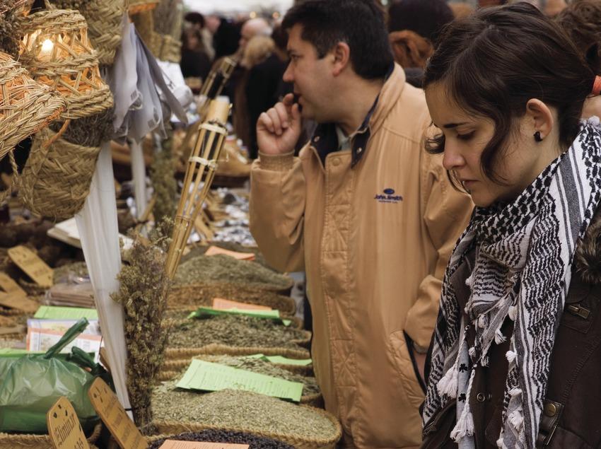 Puesto de especies durante la Feria de la Candelera