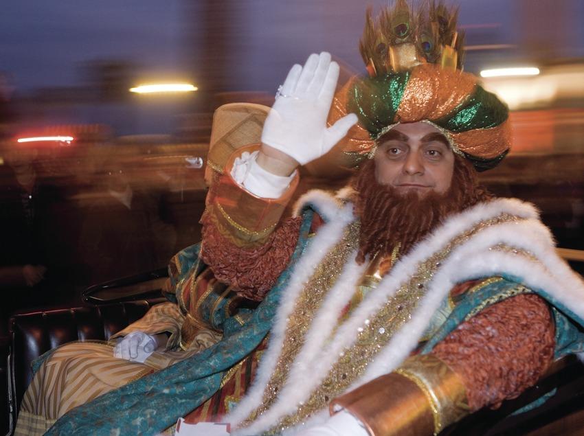 Coche real durante la cabalgata de los Reyes Magos (Oriol Llauradó)