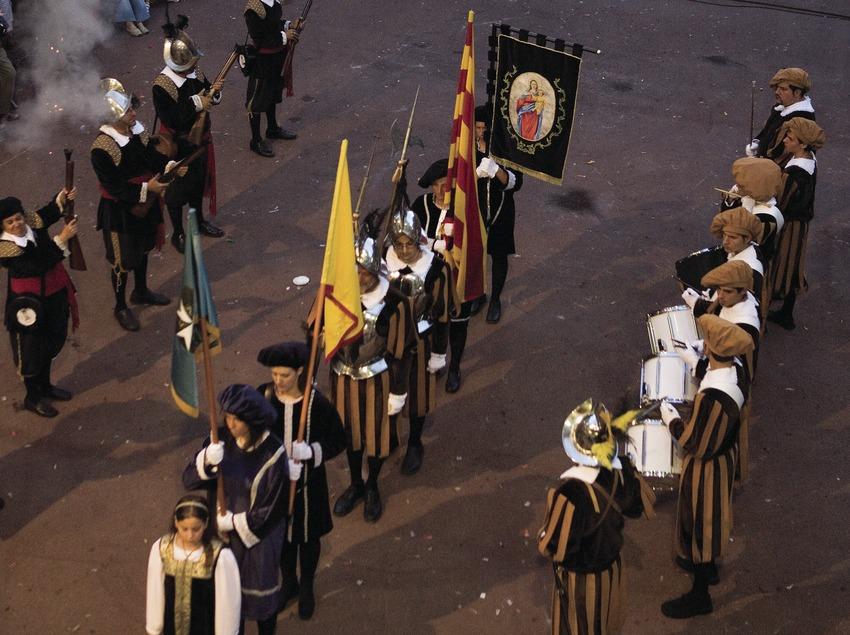 Trabucaires y timbalers durante las Fiestas de Gràcia (Oriol Llauradó)