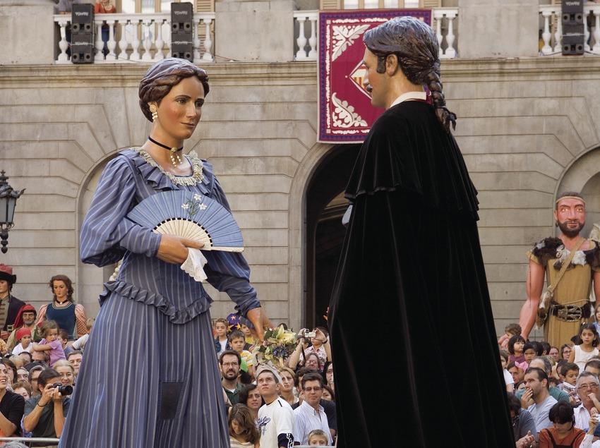 Gegants a la plaça de Sant Jaume durant la cercavila de les Festes de la Mercè (Oriol Llauradó)
