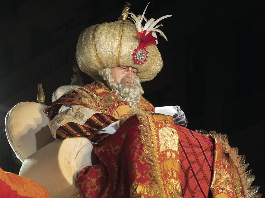 Carroza durante la cabalgata de los Reyes Magos (Oriol Llauradó)