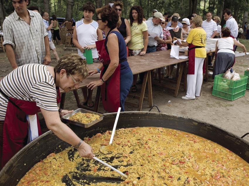 Paella durant la Diada dels Raiers (Oriol Llauradó)