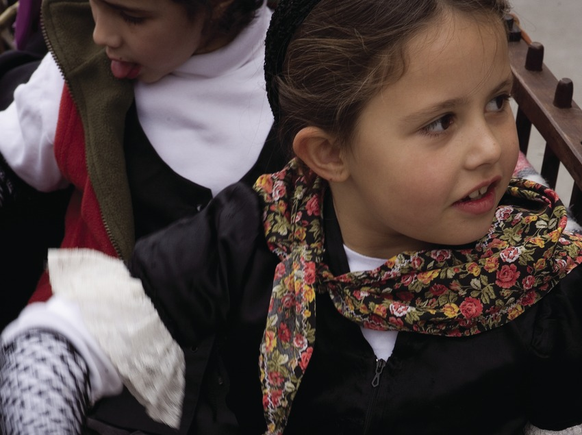 Joven participante en la Festa dels Tres Tombs (Oriol Llauradó)