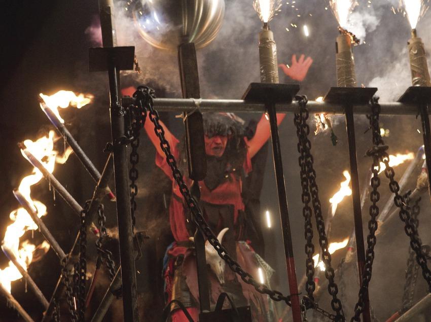 Espectacle de foc durant les Festes de la Mercè (Oriol Llauradó)