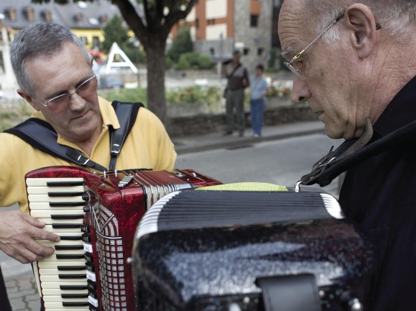 Музыканты на Пиренейском фестивале аккордеонистов (Oriol Llauradó)