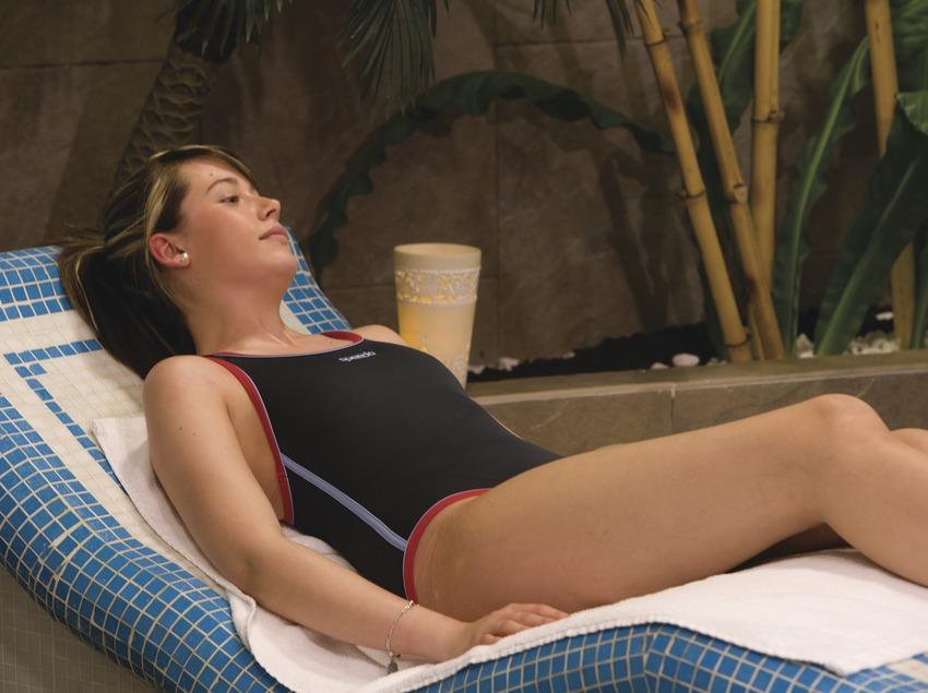 Chica en las instalaciones termales de Berga Resort.  (Nano Cañas)