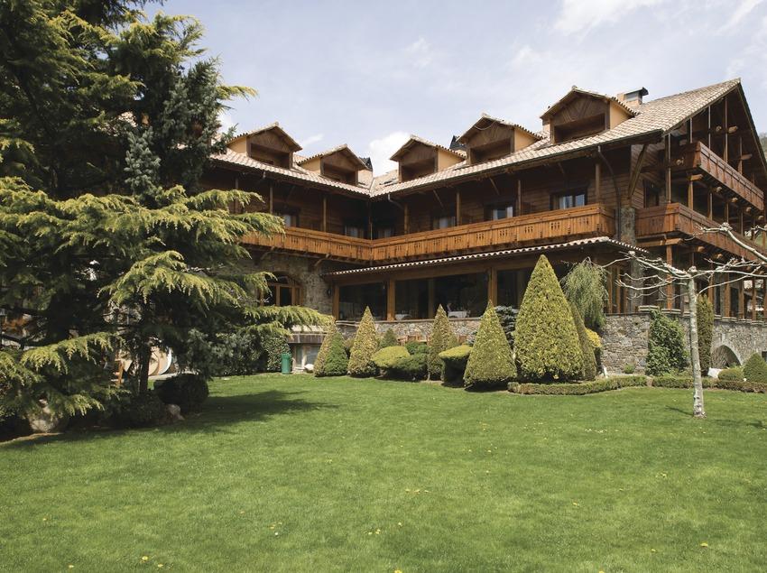 Exterior de l'Hotel Grèvol  (Nano Cañas)