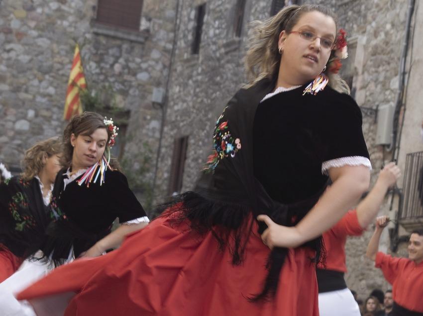 Danses traditionnelles à la fête du riz. (Oriol Llauradó)