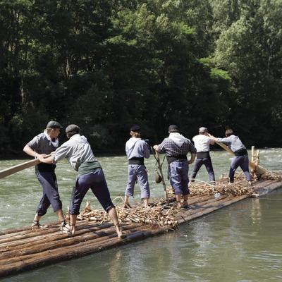 Descens pel riu durant la Diada dels Raiers