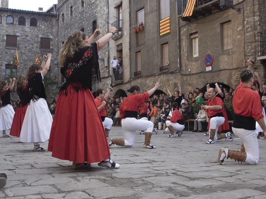 Danzas tradicionales durante la Fiesta del Arroz (Oriol Llauradó)