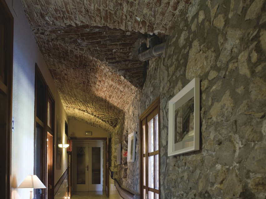 Hotel y Balneario  (Nano Cañas)