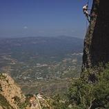 Escalador fent una ascensió al massís de Montserrat  (Lluís Carro)