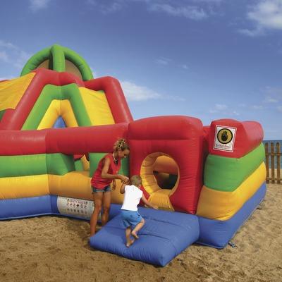 Atracció infantil a la platja  (Lluís Carro)