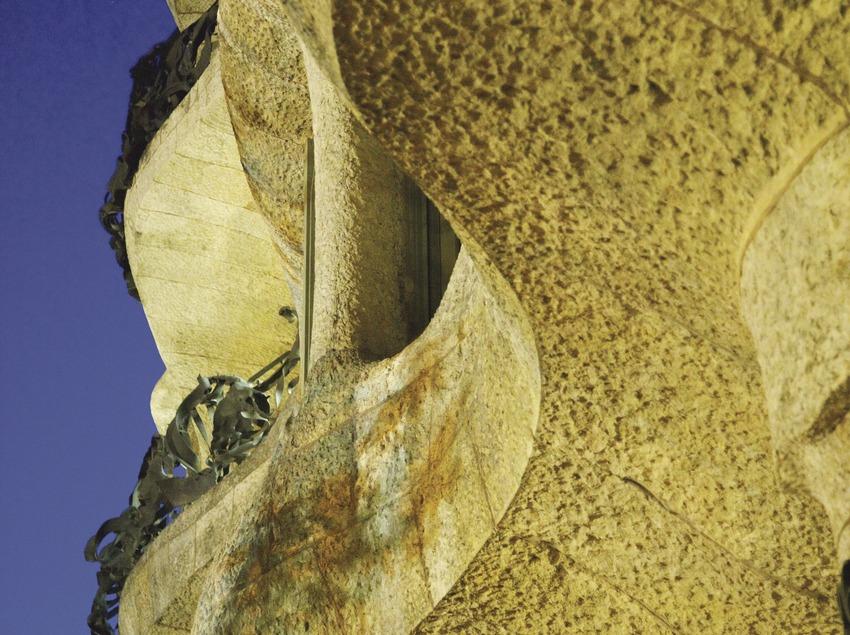 Detall del balcó de la Casa Milà, La Pedrera  (Lluís Carro)