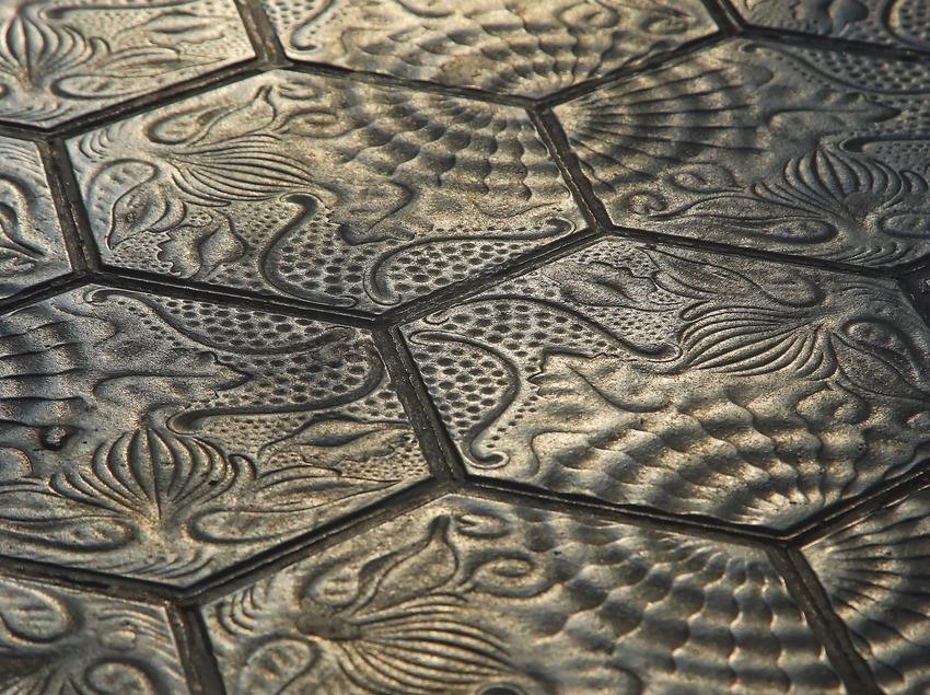 Mosaico modernista del paseo de Gràcia.  (Lluís Carro)
