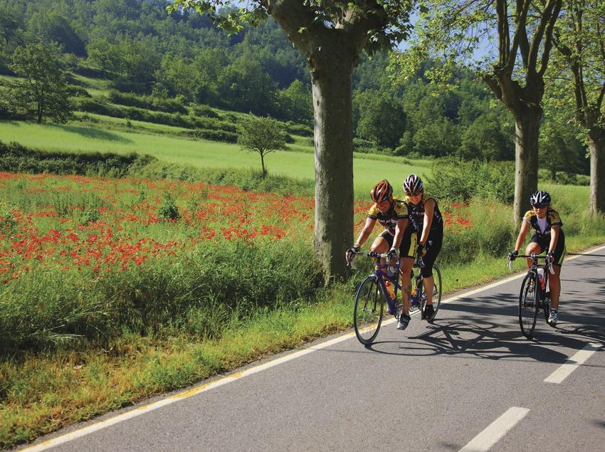 Ciclismo en carretera cerca de Moià.  (Lluís Carro)