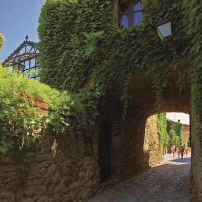 Calle del núcleo medieval de Peratallada.  (Lluís Carro)