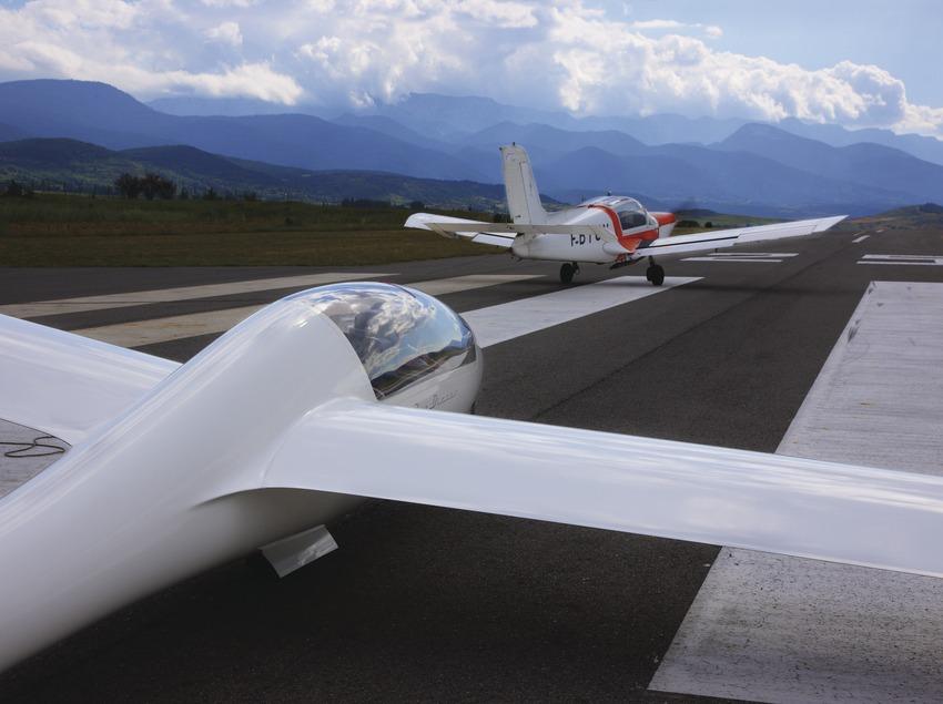 Vuelo sin motor en el aeródromo de la Cerdanya.  (Lluís Carro)