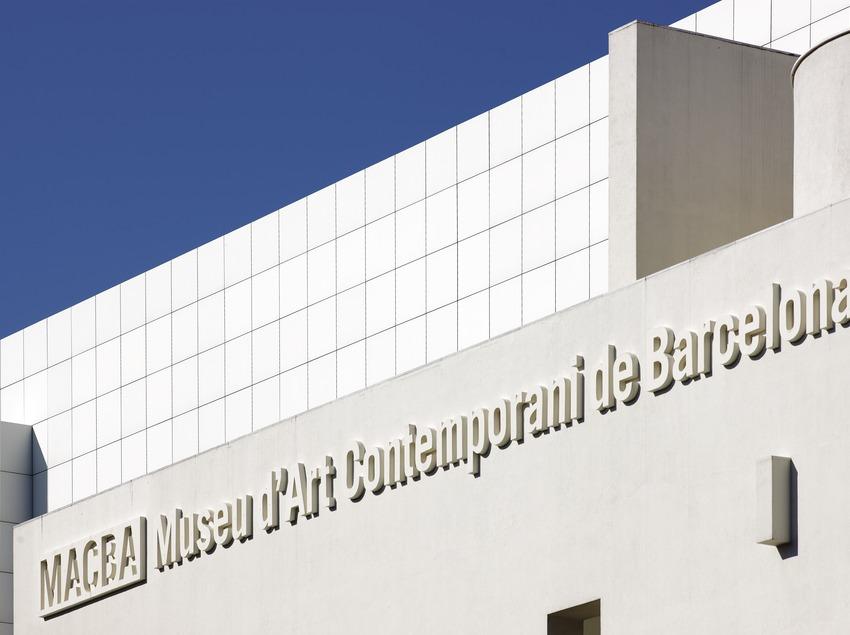 Façana del Museu d'Art Contemporani de Barcelona (MACBA)  (Lluís Carro)