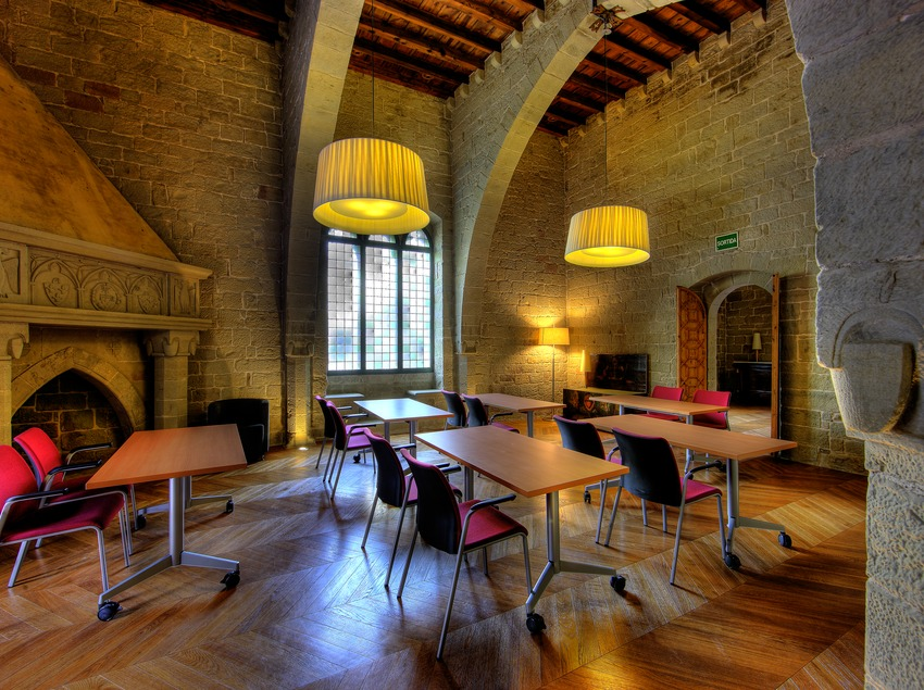 Sala de actos y congresos del monasterio de Sant Benet de Bages. Món Sant Benet.