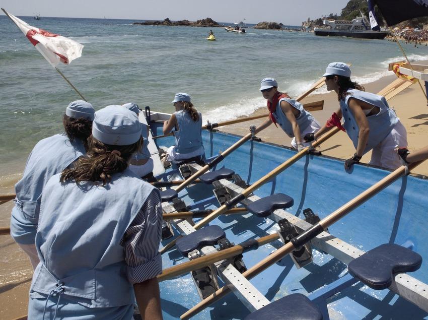 Cursa de barques durant la Festa Major de Santa Cristina