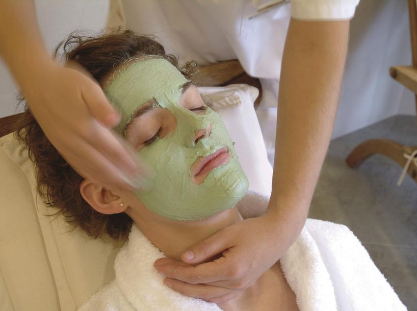 Massatge facial al Golf Hotel La Figuerola   (Imatges cedides per Golf Hotel La Figuerola)