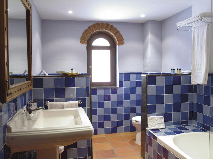 Lavabo de l'habitació Junior Suit del Golf Hotel La Figuerola   (Imatges cedides per Golf Hotel La Figuerola)