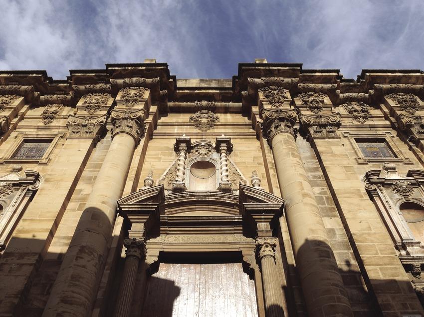Façana de la catedral de Santa Maria