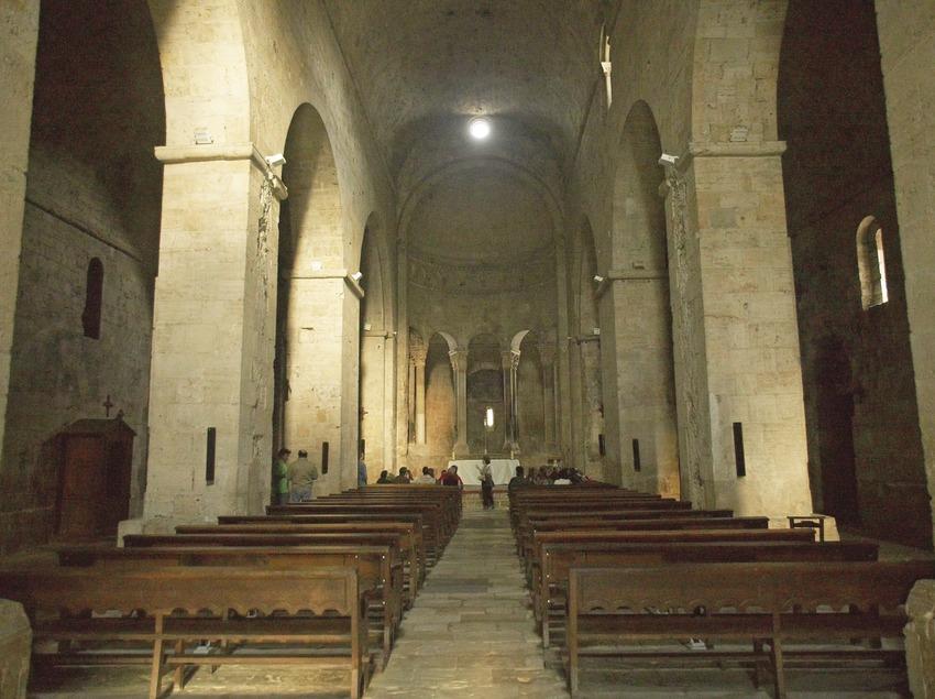 Interior de l'església de Sant Pere. Workshop Pirineus 2008