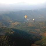 Volcà de Santa Margarida durant un vol en globus. Workshop Pirineus 2008