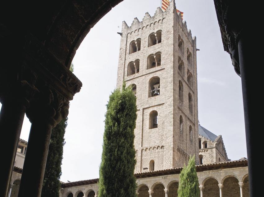 Visita al monestir de Ripoll, claustre. Workshop Pirineus 2008   (Cablepress)