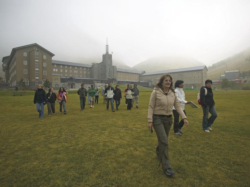 Exterior del santuari de Núria. Workshop Pirineus 2008