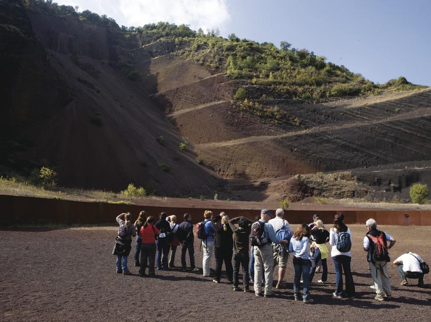 Actividades del grupo B. Excursión por el Parc Natural de la Zona Volcànica de la Garrotxa. Workshop Pirineus 2008  (Cablepress)