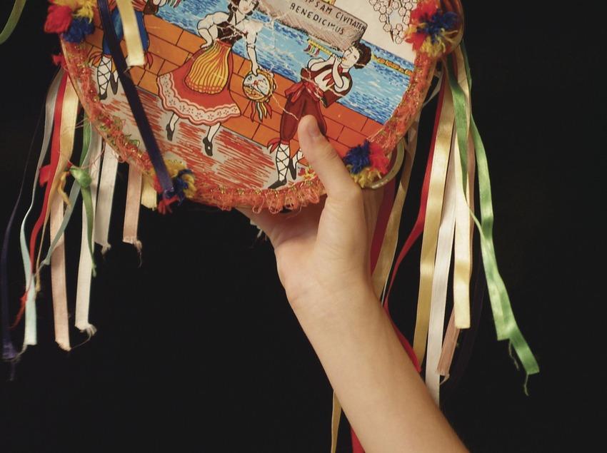 Detall d'una pandereta al Festival Internacional de Música de Cantonigròs   (Imatges cedides pel Festival Internacional de Música de Cantonigròs)