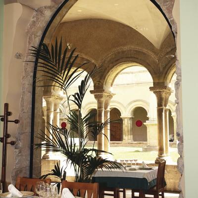 Claustre del monestir de les Avellanes   (Imatges cedides pel Monestir de les Avellanes)